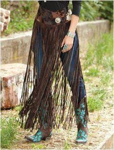 Turquoise Jewelry Outfit Long Leather Fringe Belt/Overskirt from Crows Nest Trading I would love to pair this with a bright-colored broomstick skirt, a beaded top or jacket, and some silver and turquoise jewelry! Cowgirl Chic, Style Cowgirl, Cowgirl Mode, Cowgirl Outfits, Western Outfits, Western Wear, Vintage Cowgirl, Cowgirl Hats, Cowgirl Tuff