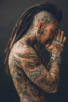 dreadlocks # Viking hair ❤️ Would you like to remove one of these masculine Viking hairstyles? In our gallery you will find the most famous haircuts for … Head Tattoos, Body Art Tattoos, Full Body Tattoo, Pelo Hipster, Guru Tattoo, Tattoo Zone, Epic Tattoo, Tattoo Back, Mohawk Hairstyles