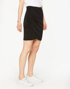 Nina Rock Schwarz aus Tencel #veganemode #fairfashion #veganfashion Vegan Fashion, Organic, Skirts, Shopping, Dress Skirt, Summer, Black, Woman, Nice Asses