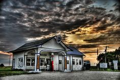 Standard Oil Co. Service Station, Route 66