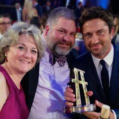 Congrats to Dean DeBlois, Bonnie Arnold, cast and crew of How to Train Your Dragon 2 on your Hollywood Film Award!