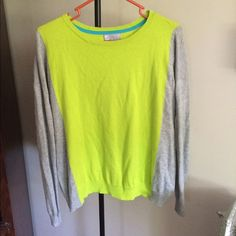 🎉LAST CALL🎉Like New Sz M Cashmere Blend sweater This light sweater is in perfect condition. Only worn twice. Beautiful cashmere blend so incredibly soft. Can easily fit a S too with a baggier fit. JCpenny Sweaters