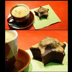 Pradobroty: Kávové muffiny Sweet Tooth, Pudding, Cupcakes, Tableware, Food, Cupcake Cakes, Dinnerware, Custard Pudding, Tablewares
