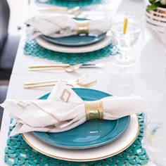 set a bright and beautiful table with our Cambria Dinnerware