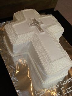 Christening Cake for Baby Boy — First Communion: Boys First Communion Cakes, Boy Communion Cake, First Communion Decorations, First Communion Party, Communion Dresses, Confirmation Cakes, Baptism Cakes, Cross Cakes, Religious Cakes