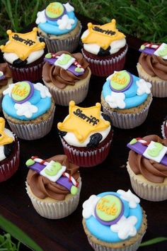 Woody and Buzzlightyear cupcakes!