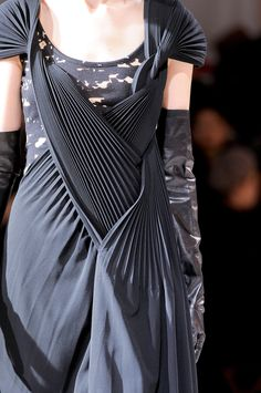 Casual Elegance dress with manipulated fabric detail - fashion design details // Yohji Yamamoto