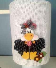 Capa galão de água Coq, Applique Quilts, Kitchen Aid Mixer, Children Photography, Doll Clothes, Diy And Crafts, Patches, Sewing, Pattern