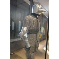 Composite Armour, Musée de l'Armée, Paris 1380-1410 Composed by ref_arm_1548, ref_arm_1015 and ref_arm_2881 Interesting to note the maille crotch protection.