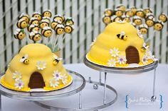 Bumble Bee Baby Shower / Baby Shower/Sip & See / Dessert Table: