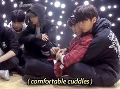 #wattpad #fanfic ❝Donde JiSung es un desastre de sentimientos y a MinHo no le importa que desquite su bipolaridad en él.❞ -OS || Soft & Fluff intenso