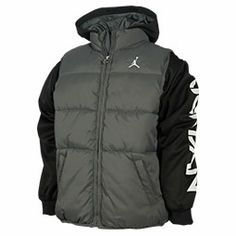 How+can+you+keep+your+little+one+stylin'+and+switchin'+it+up+with+only+one+jacket?+When+you+get+the+Boys'+Jordan+Classic+2Fer+Jacket!+Made+with+ultra-cozy+fleece+and+an+attached+vest+for+stand+out+style,+your+boy+will+be+looking+fresh+from+the+playgrou
