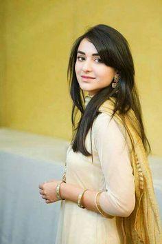 yumna zaidi Girly Pictures, Girly Pics, Girly Stuff, Yumna Zaidi, Stylish Dpz, Handsome Actors, Pakistani Actress, Girls Dp, Girl Photography Poses