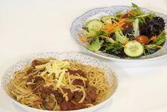 Vegan Spaghetti Bolognese - The Batch Lady Vegan Spaghetti, Spaghetti Bolognese, Stuffed Mushrooms, Stuffed Peppers, Vegetable Puree, Vegan Recipes, Vegane Rezepte