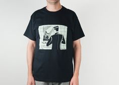 On sale!! 30% Off  (discount included in the price). Black Hand Screen Printed T-shirt for men. Cotton. illustration by Tacamaca. Wolf.
