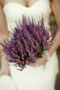 A bouquet of lavender is perfect for this colour scheme