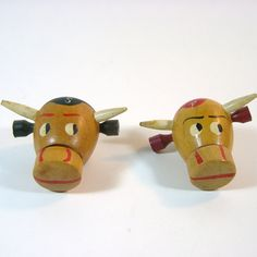 Bull S Shakers Vintage Salt and Pepper Shakers by TheDirtyLoft, $8.00