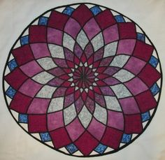 My completed Dahlia quilt all blocked and round.
