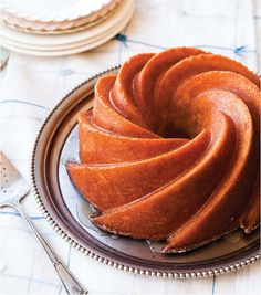 Kentucky Bourbon Cake....but what I really want is this bundt pan, how beautiful!