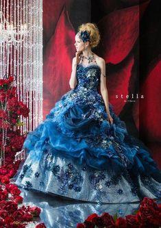 Fantastic jewels and floral design! Ball Dresses, Ball Gowns, Evening Dresses, Prom Dresses, Beautiful Gowns, Beautiful Outfits, Pretty Outfits, Pretty Dresses, Mode Baroque