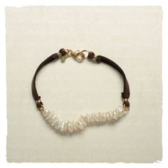 Boho-chic Bracelet: Pearls with suede