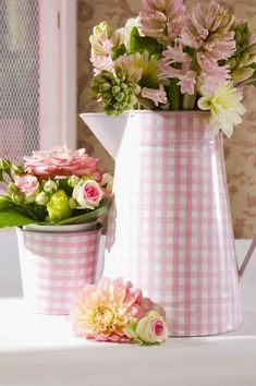 36 Ideas Shabby Chic Wedding Table Ana Rosa For 2019 Pink Love, Pretty In Pink, Pink And Green, Pink White, Deco Floral, Arte Floral, Vintage Shabby Chic, Shabby Chic Decor, Vintage Farm
