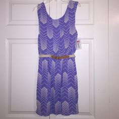 chevron dress this cute chevron dress perfect for spring, comes with a belt along with a nice bow attached to the back! Dresses
