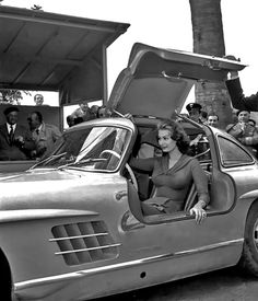 Italian-French film star Sophia Loren was at one point in time, an owner of the Iconic Mercedes-Benz 300SL Gullwing. Description from scottgrundfor.com. I searched for this on bing.com/images