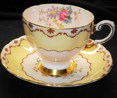 TUSCAN PALE PINK GOLD PINK ROSE FAWN TEA CUP AND SAUCER China Cups And Saucers, China Tea Cups, Teapots And Cups, Teacups, Tea Cup Set, My Cup Of Tea, Tea Cup Saucer, Yellow Tea Cups, Party Set