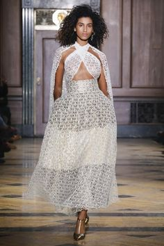 Sophie Theallet Fall 2016 Ready-to-Wear Fashion Show Collection: See the complete Sophie Theallet Fall 2016 Ready-to-Wear collection. Look 49 Fall Fashion 2016, Runway Fashion, Autumn Fashion, Fashion Fashion, Fashion Show Collection, Couture Collection, Sophie Theallet, Kinds Of Clothes, Fall 2016