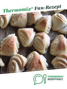 Knoblauch Dreiecke von Dani_Martin. Ein Thermomix ® Rezept aus der Kategorie Backen herzhaft auf www.rezeptwelt.de, der Thermomix ® Community.