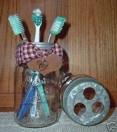 Primitive Mason Jar Toothbrush HolderVintage by SteeleCreekJrs Primitive Bathrooms, Primitive Homes, Primitive Crafts, Country Primitive, Vintage Bathrooms, Pot Mason, Mason Jar Crafts, Mason Jar Diy, Country Crafts