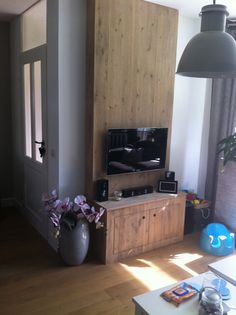Tv kast ruw vuren grey wash steigerhout look