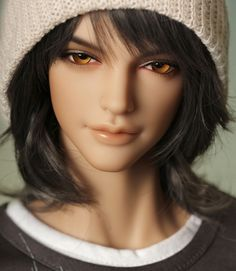 ITEM VIEW : S. I. D Basic - Man - Eric {Lovely sculpt, but that hair... UG!}
