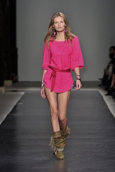 Isabel Marant at Paris Fashion Week Spring 2010 - Runway Photos