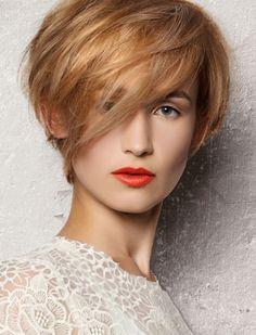 Einfache Frisuren für kurzes Haar 2018-2019 Check more at http://einhaarfrisur.com/einfache-frisuren-fur-kurzes-haar-2018-2019.html