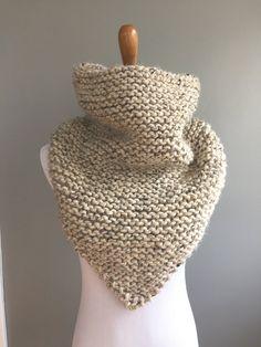 Ravelry: Garter Stitch Bandana Cowl pattern by Ashley Lillis Loom Knitting, Knitting Patterns Free, Crochet Patterns, Free Pattern, Sweater Patterns, Knitting Tutorials, Free Knitting, Snood Knitting Pattern, Stitch Patterns
