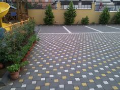 Adding pops of color using Estate in Charcoal as the base color and Tan and White for the pop of color. Brick Paver Driveway, Stamped Concrete Driveway, Concrete Backyard, Brick Paving, Driveway Landscaping, Paving Stones, Garden Tiles, Garden Paving, Garden Paths