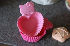 Hello Kitty muffin / cupcake molds
