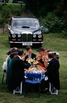Picnicking at Royal Ascot. They really know how to throw a picnic.