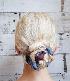 Go for a preppy look with a scarf bun. 2015 Hairstyles, Scarf Hairstyles, Summer Hairstyles, Pretty Hairstyles, Hairstyle Ideas, Scarf Bun, Scarf Wrap, Scarf In Hair, Bun Wrap