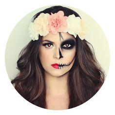 Maquillage Halloween moitié belle moitié squelette fleurs cheveux costume d'Halloween