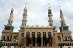 Islamic Centre, Samarinda, Kalimantan Timur, Indonesia. Islamic Centre, East Indies, Mosque, Taj Mahal, Construction, World, Travel, Building, Viajes