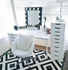 Makeup Room Ideas room DIY (Makeup room decor) Makeup Storage Ideas For Small Space - Tags: makeup room ideas makeup room decor makeup room furniture makeup room design Vanity Room, Vanity Desk, Mirror Room, Vanity Tables, Vanity Area, Diy Vanity, Alex Drawer Vanity, White Vanity Chair, Small Vanity