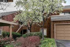 Dramatic single level townhome in central location, easy access to freeways, shopping, recreational areas.  http://www.apr.com/theather/4-Royston-Walk-PLEASANT-HILL-CA~l16$40687133$RE_1