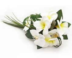 Small trail by Loveflowers. Find your perfect wedding flowers at http://www.loveflowers.com.au/