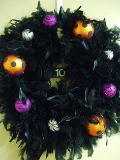 DIY Halloween Decor DIY Halloween Crafts : DIY Frightfully Funky Feather Wreath