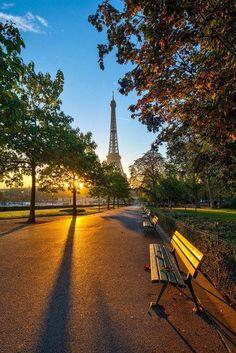 Morning Light in Paris, France. I miss Paris Paris France, Oh Paris, Paris Love, Paris City, Paris In Autumn, Beautiful Paris, Beautiful World, Beautiful Sunrise, Beautiful Morning