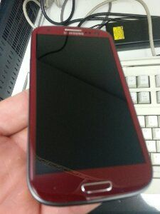 Red Galaxy S III on sale at Carphone Warehouse