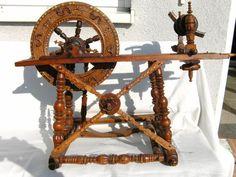 Antikes verziertes Spinnrad » Sonstige Antiquitäten aus Karlsruhe Durlach